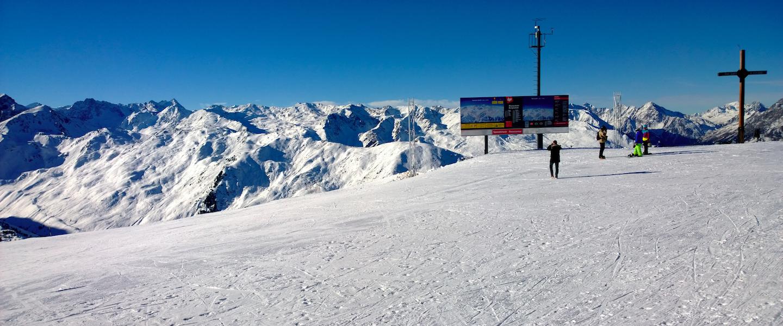 In stijl de piste af, de leukste ski-jassen van dit wintersportseizoen