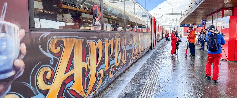 Een ritje door Zwitserland met de enige après-ski trein ter wereld!
