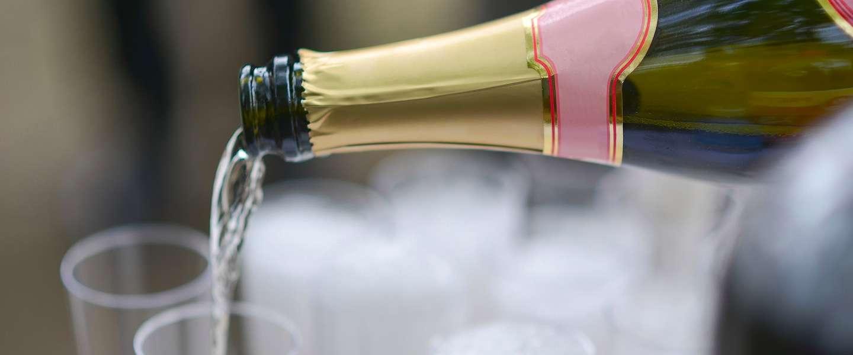 De meest bijzondere plekken om champagne te drinken