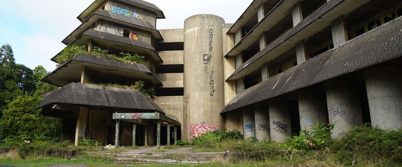 Verlaten spookhotel Monte Palace: een must see op de Azoren
