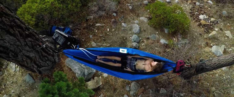 Hydro hammock: geniale hangmat en bubbelbad in één!