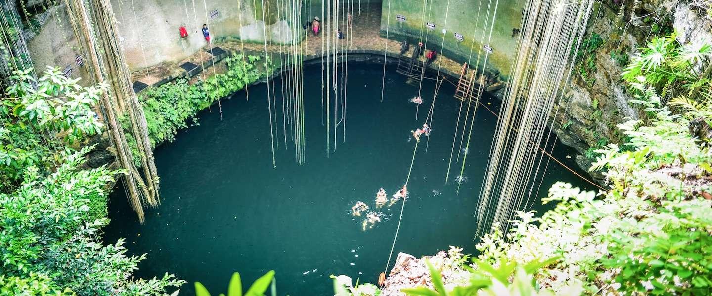 Neem een duik in Ik Kil in Mexico: een spectaculair natuurzwembad