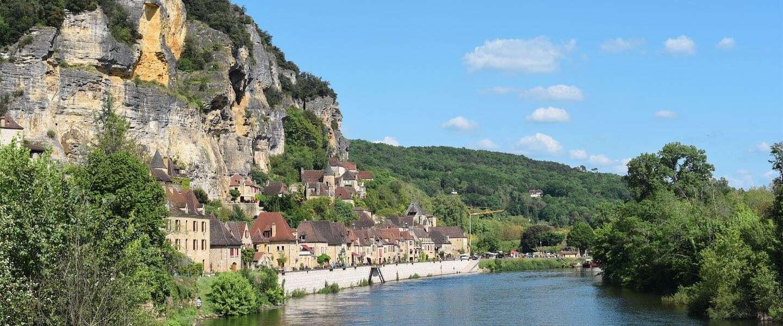 La Roque-Gageac is het mooiste rotsdorpje van Frankrijk