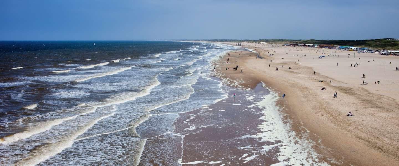 De 5 mooiste stranden van nederland for Beste strandtent scheveningen