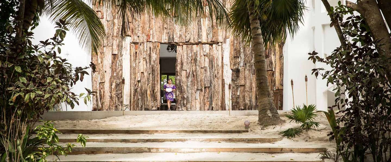 Je kunt nu overnachten in de villa van Pablo Escobar in Tulum