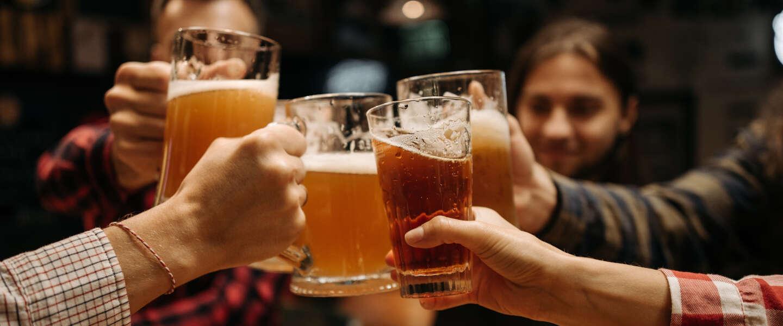 De 10 landen wereldwijd waar je in 2021 het goedkoopst een biertje drinkt