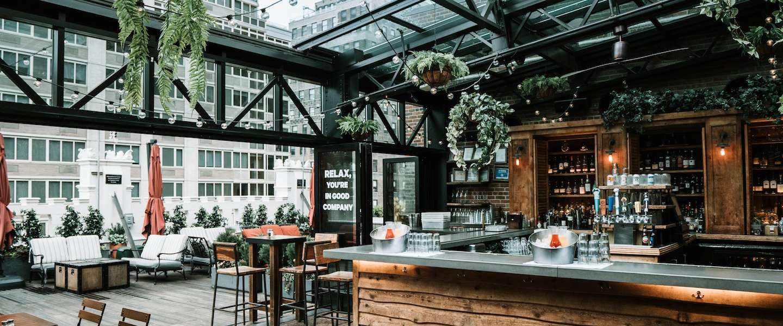 De mooiste rooftop bars van Nederland vind je hier