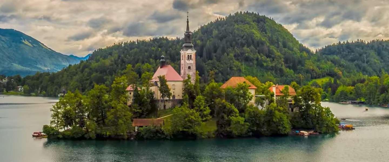 Video: bekijk het sprookjesboek dat Slovenië heet