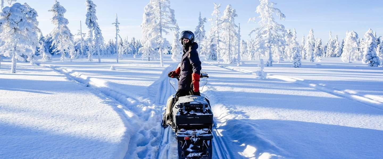 Op een sneeuwscooter door Lapland: ultiem genieten