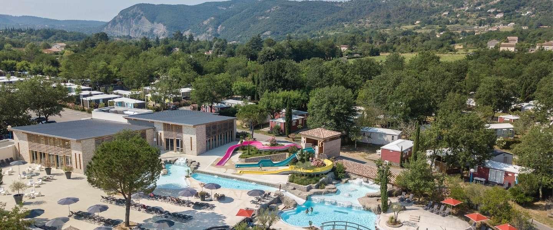 Luxe stacaravan huren deze zomer? Dit is waar je moet zijn!