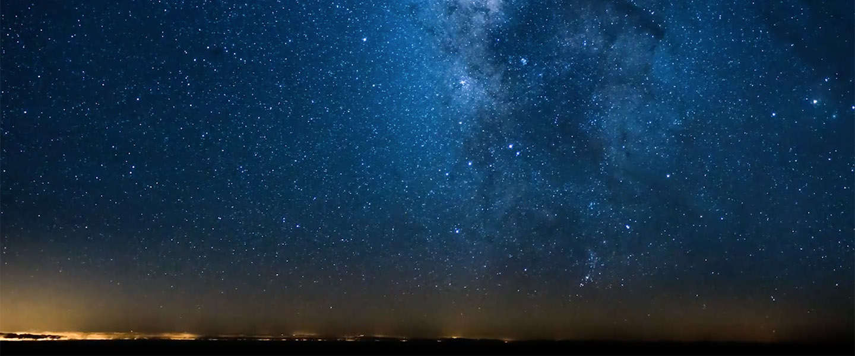Piloot maakt schitterende time-lapse video van onze melkweg