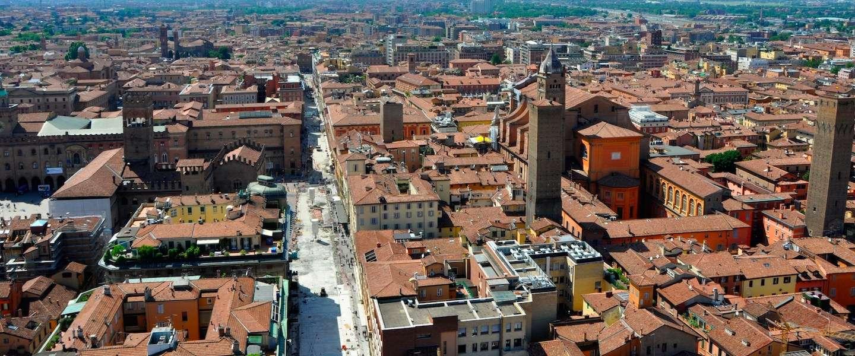 De toren van Asinelli beklimmen: must do in Bologna