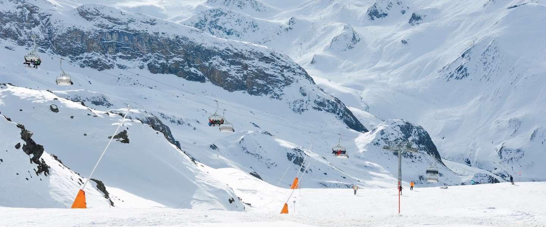 De voordelen van met z'n tweeën op wintersport