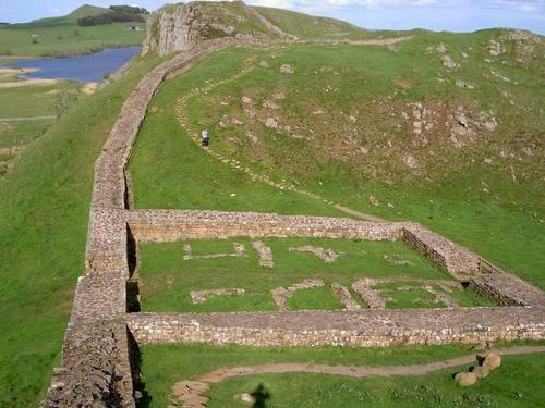 On-Hadrian%27s-Wall,-north-of.jpg