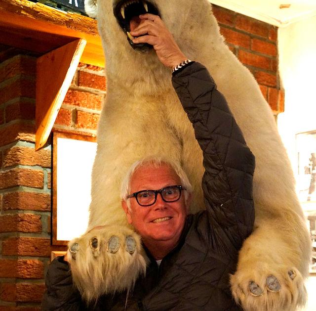 Henk_ijsbeer