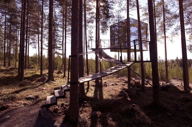 mirror_cube_treehotel