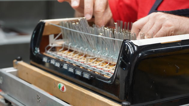 accordeonfabriek_Pigini_Castelfidardo_handwerk.