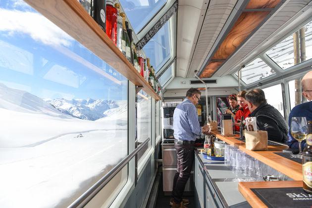 apres-ski-trein-bar