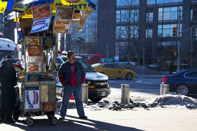 new_york_new_yorkers_streetfood_hotdogs