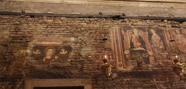 Basiliek_van_Loreto_muren_Huis_Maria