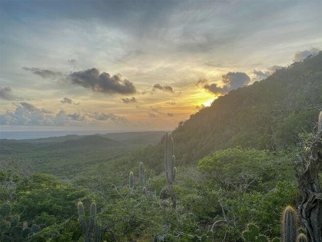 berg-beklimmen-curacao