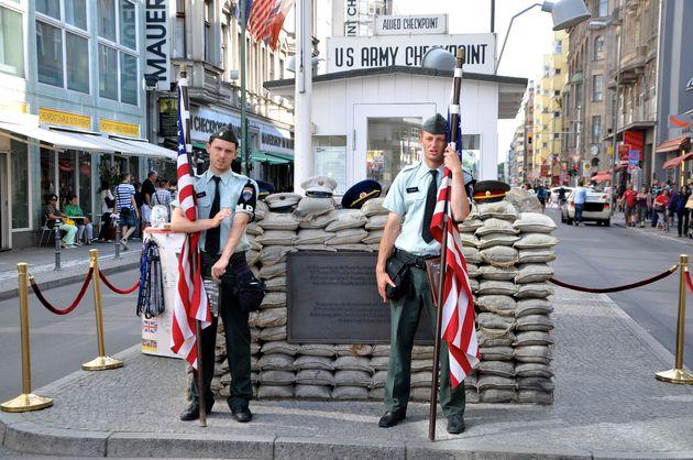 berlijn_checkpoint_charlie_amerikanen