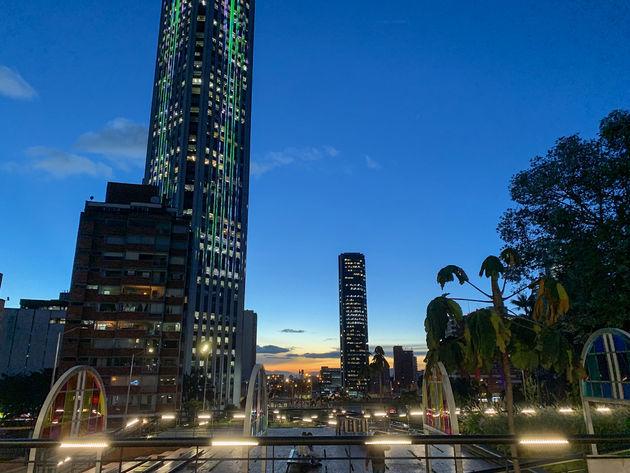 bogota-skyline-avond