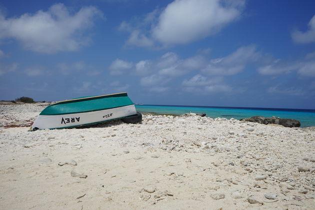 Bonaire-blauw-water