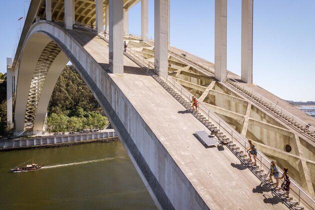 Brug beklimmen Porto