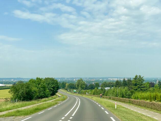 camper-roadtrip-onderweg-Limburg
