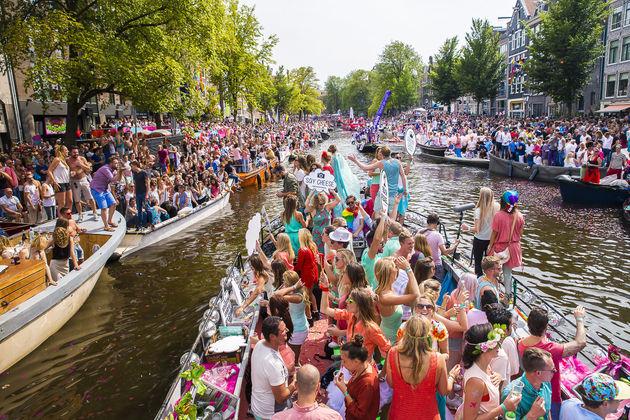 canal-parade-gay-pride
