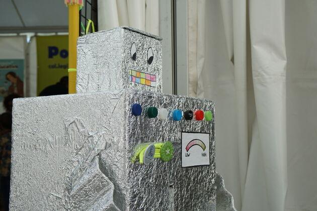 Ciudad_las_Artes_las_Ciencias_robot