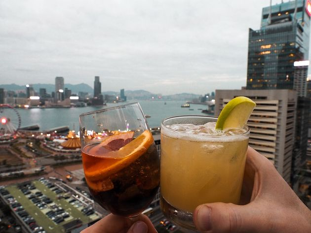 Cocktails dakterras SEVVA Hongkong