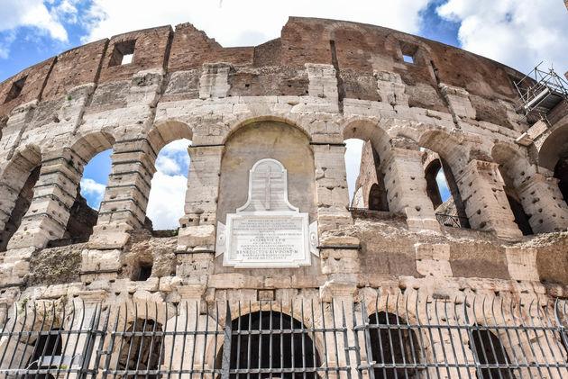 colosseum-rome-facade