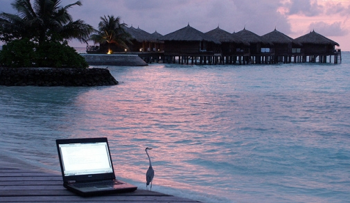 computer_beach.png