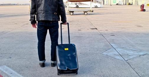 crash-baggage.jpg