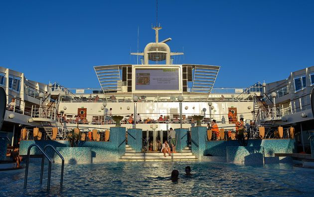 cruiseschip-zwembad