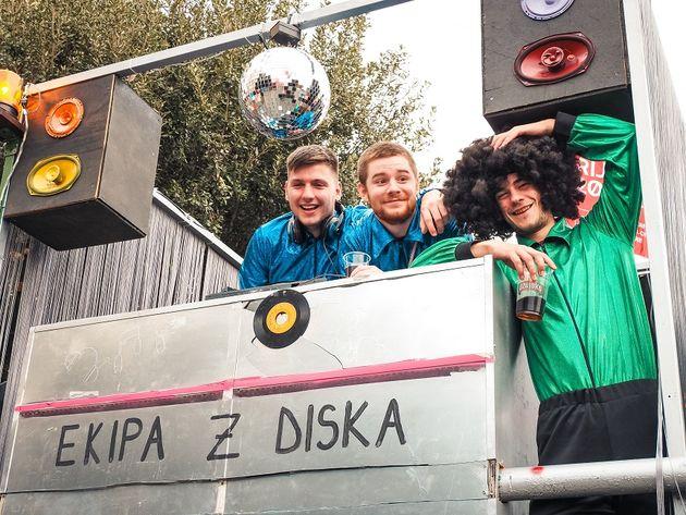 Deelnemers aan de carnavalsoptocht in Rijeka