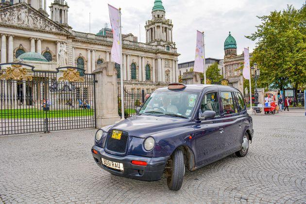 doen-belfast-black-taxi-tour