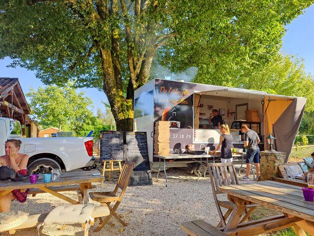 Domaine-des-Mathevies-food-truck