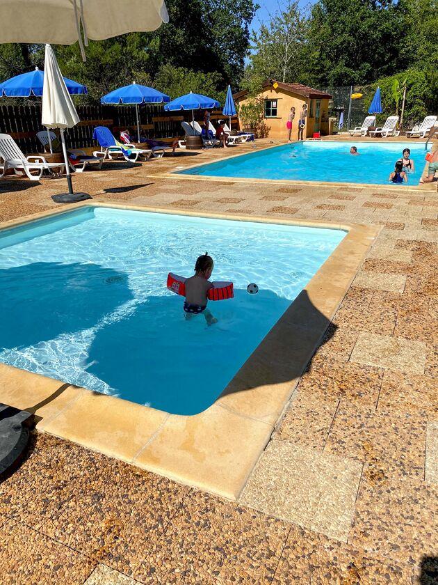 Domaine-des-Mathevies-zwembad