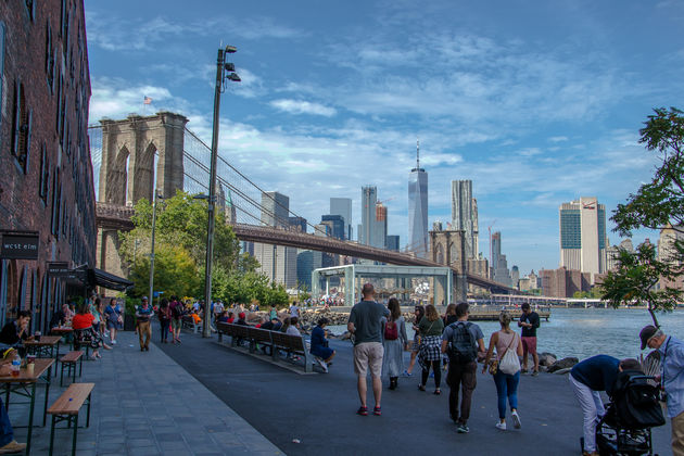 Drukte-Brooklyn-Mathattan-bridge
