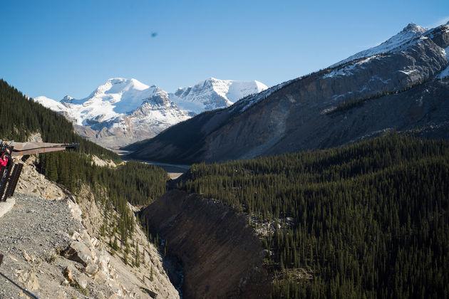 Columbia_icefield_glacier