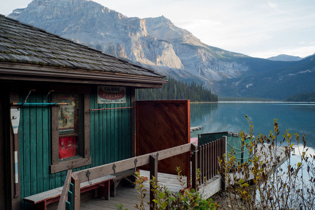 Emerald_lake_boathouse