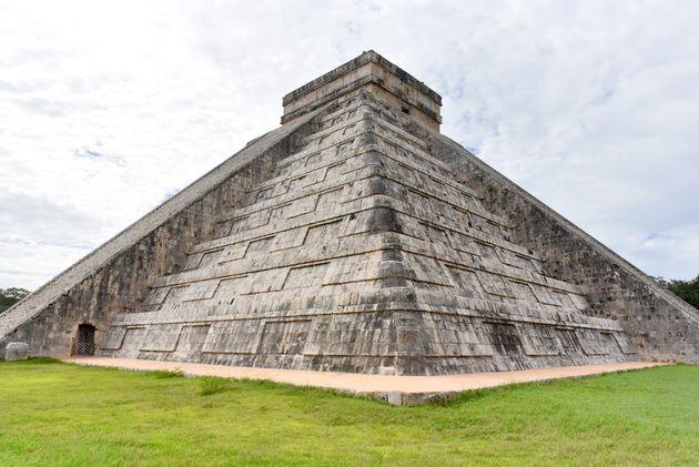 equinox-Piramide-van-Kukulcan