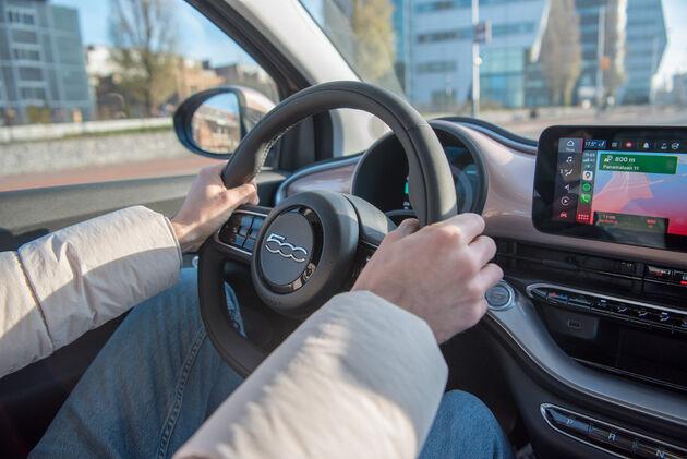 fiat-500e-elektrisch-rijden