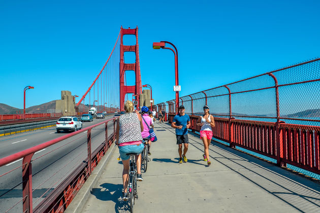 Fietsen-over-Golden-gate-bridge