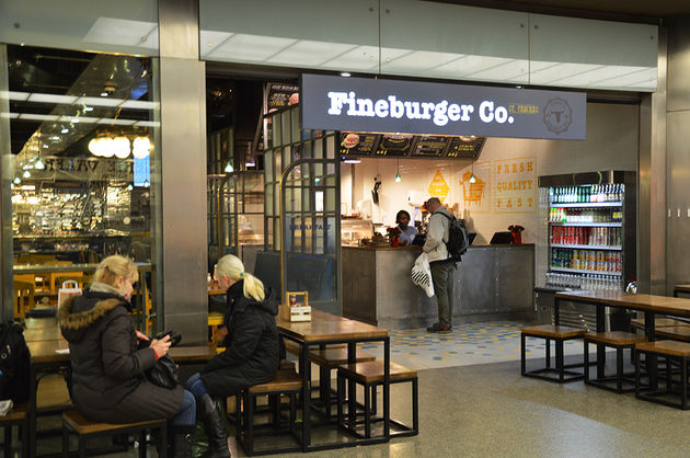 fineburger-co-londen-trainstation