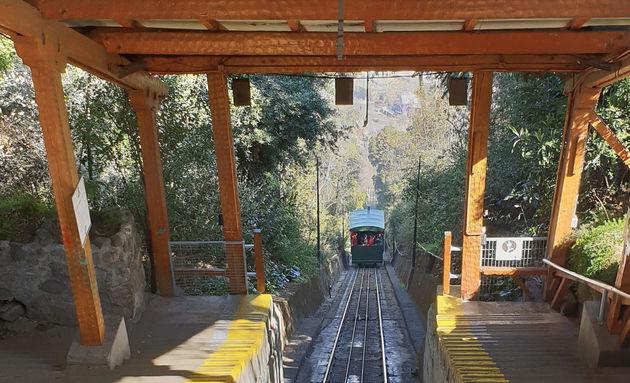 Funicular_Santiago_de_Chile_Travelvalley_04