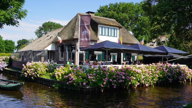 Giethoorn_veeneilandjes
